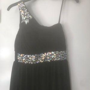 BLACK ONE SHOULDER EVENING DRESS